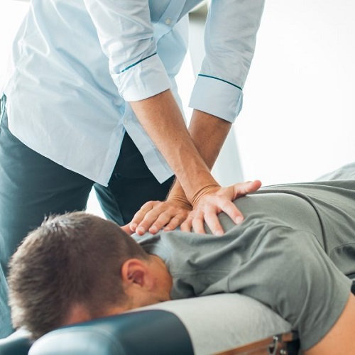 chiropractic-adjustment-centennial-co